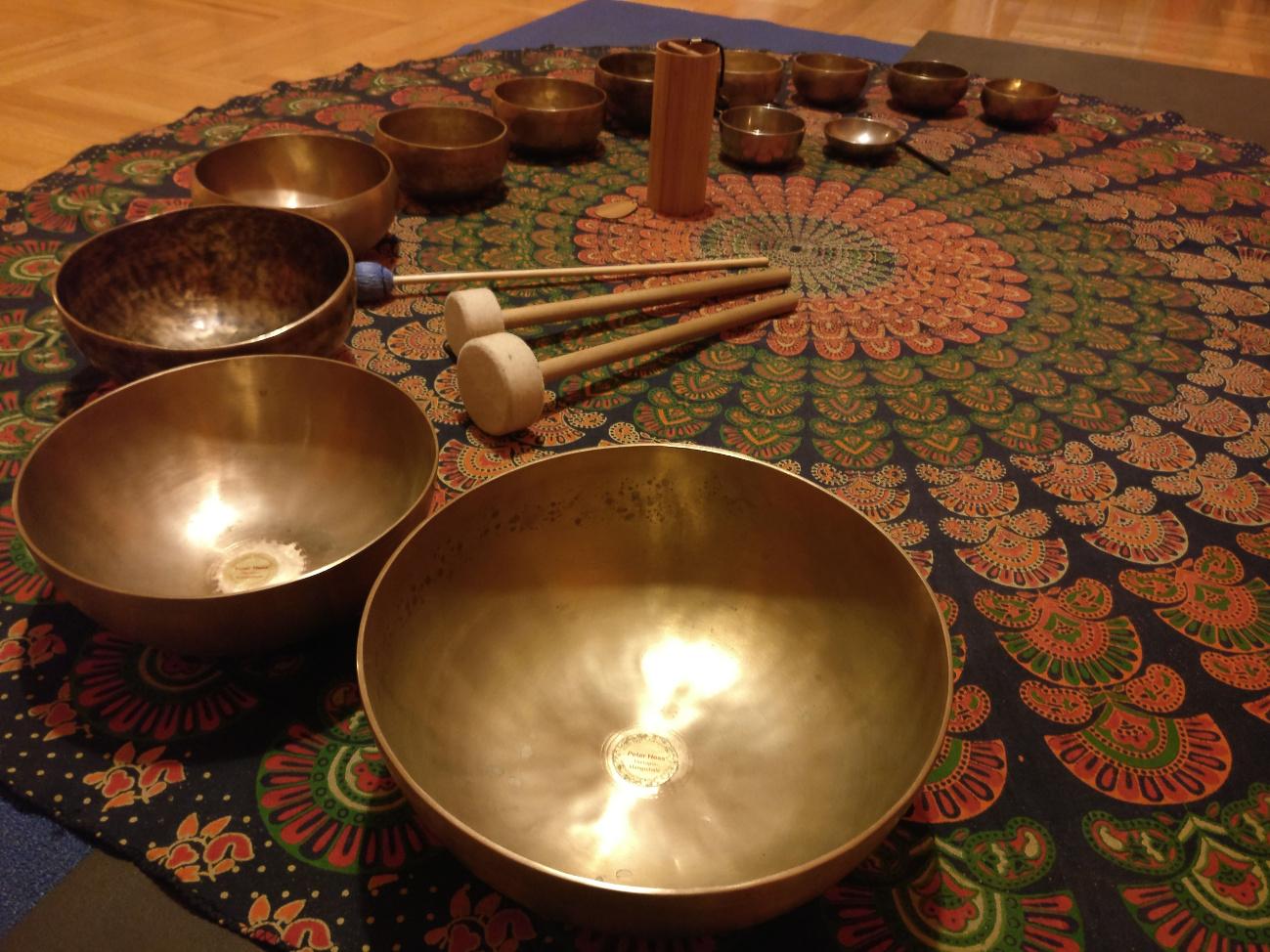 Hangterápia tibeti gyógyító hangokkal