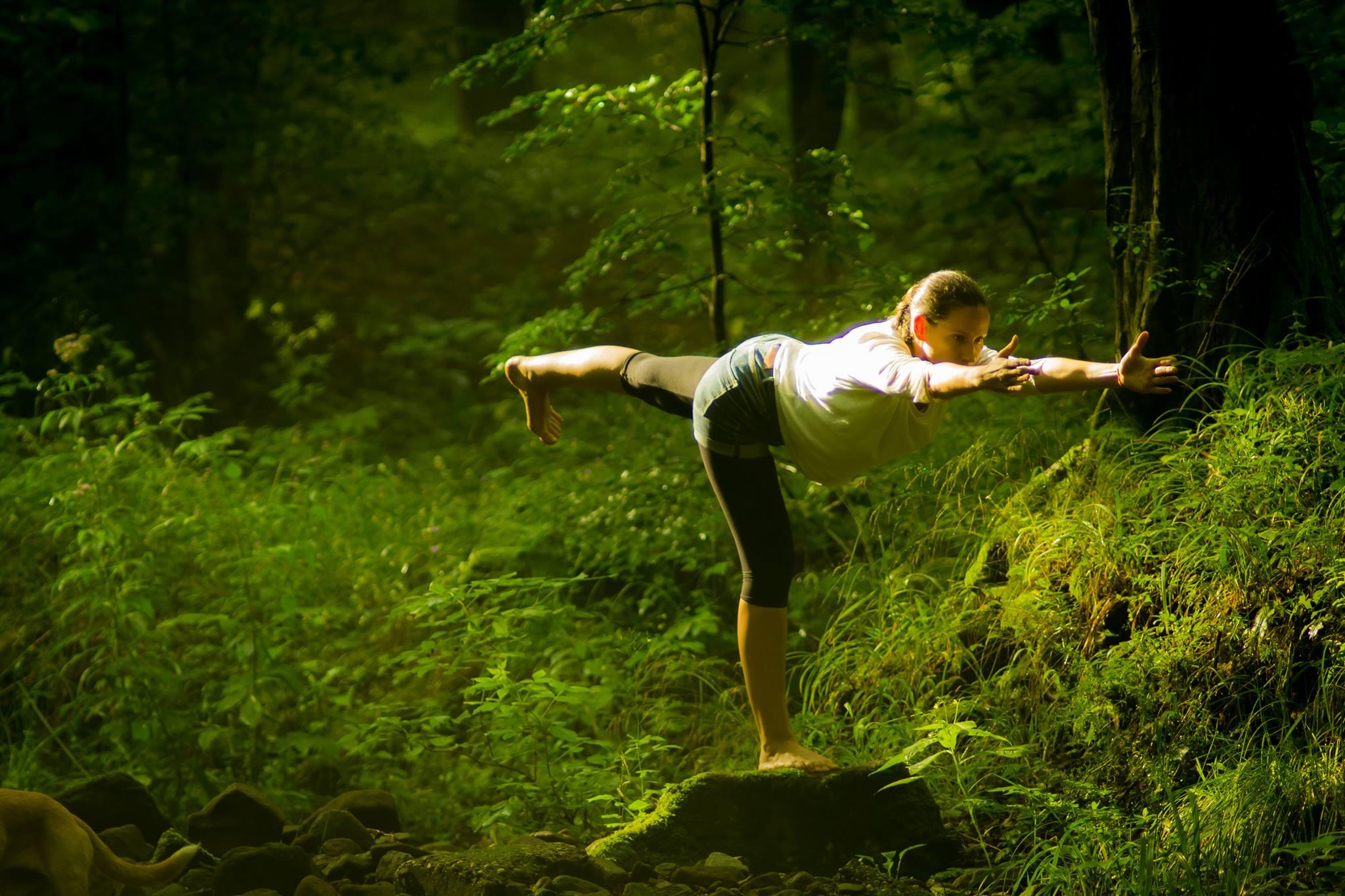Hatha jóga tanfolyam illóolajokkal | Október 1-től hétfőnként 17.30-19.00